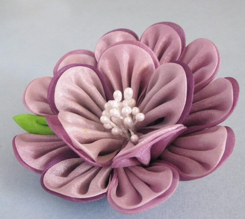Цветок из ткани канзаши своими руками мастер-класс