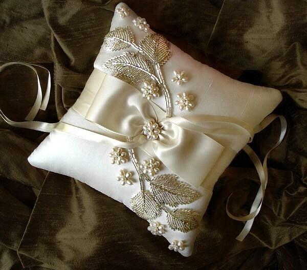 Фалина Жемчужина Шелкового кольцо предъявителя подушку
