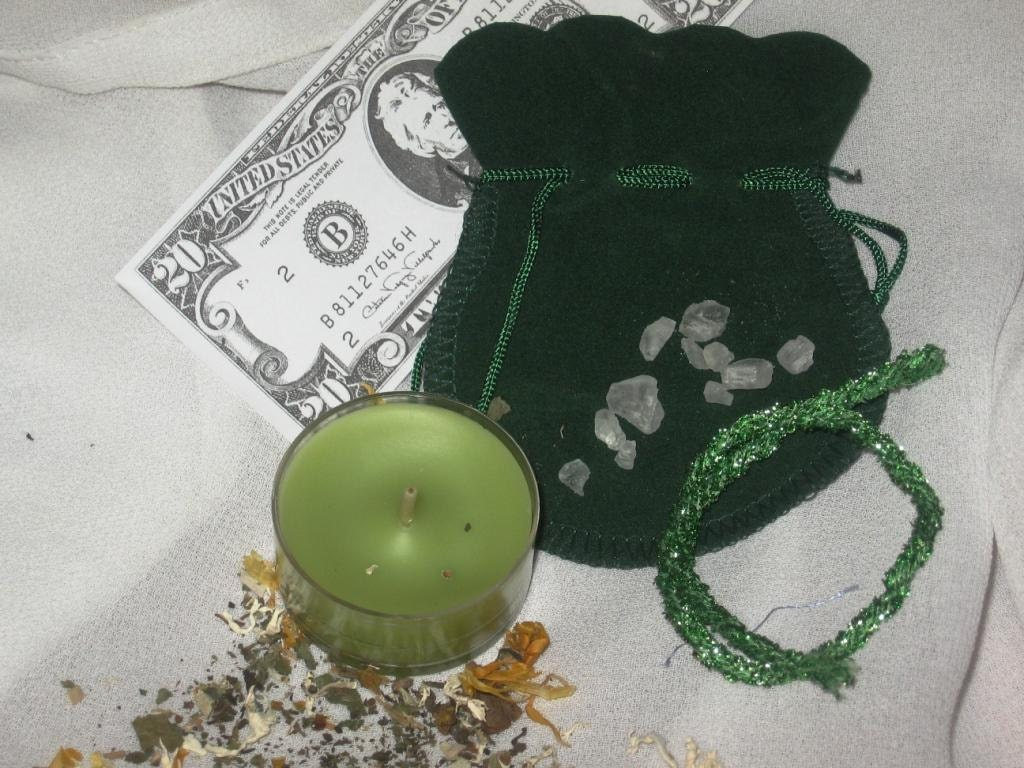 Money Drawing Knot Spell and Sachet Kit