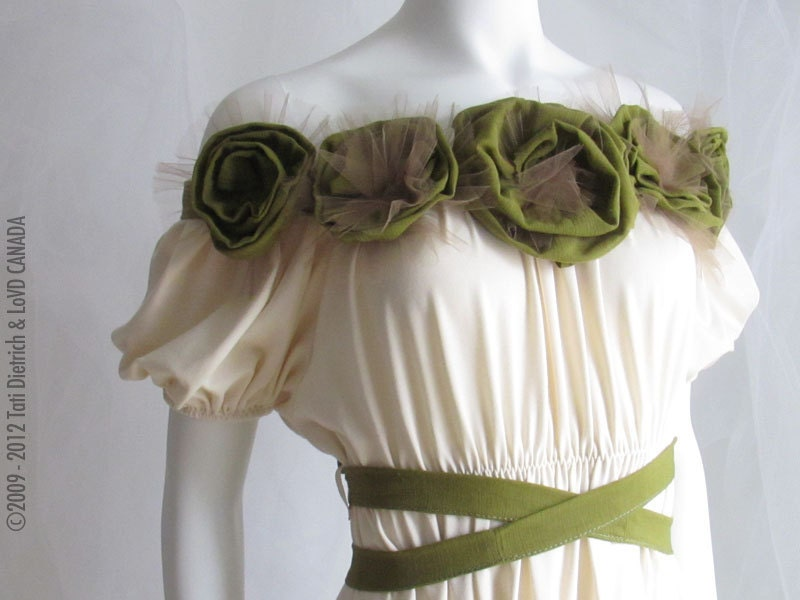 Rose Garland Eco Prom Gown Vanilla Ivory OffWhite Green Wedding Gown