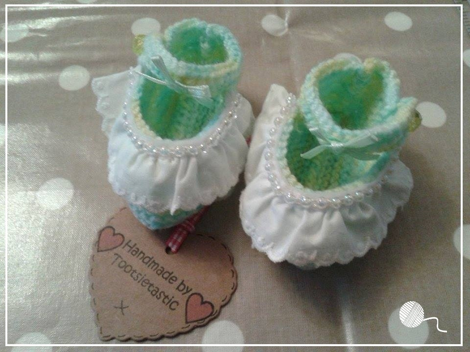 1 Pair Baby Mint Green Hand Knitted Baby Shoes  PreemieNewborn size (3 inch sole)  Made by Tootsietastic  READY TO SHIP