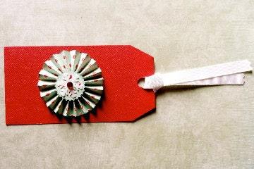 Gift Tags/Set of 3/Pinwheel Poke-A-Dots