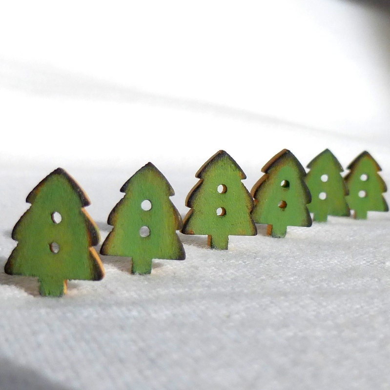 "Tiny Green Christmas Tree Buttons, Christmas Button Wood, Set of 6  12mm or 1/2"" - WoodenHeartButtons"