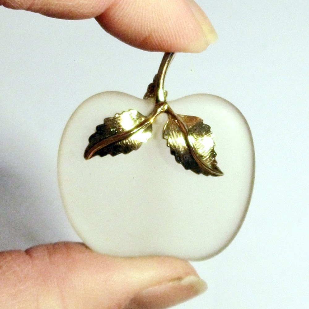 Glass Apple Pendant 1970s Vintage Avon Fruit Frosted White Pale Gold Leaf Crystal Necklace