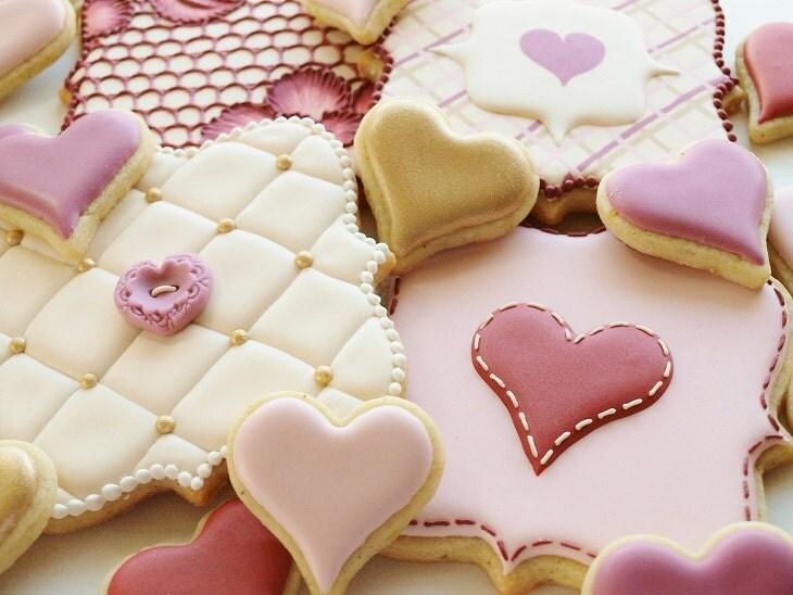 Love - 4 large and 16 mini Orange Vanilla Spice Cookies
