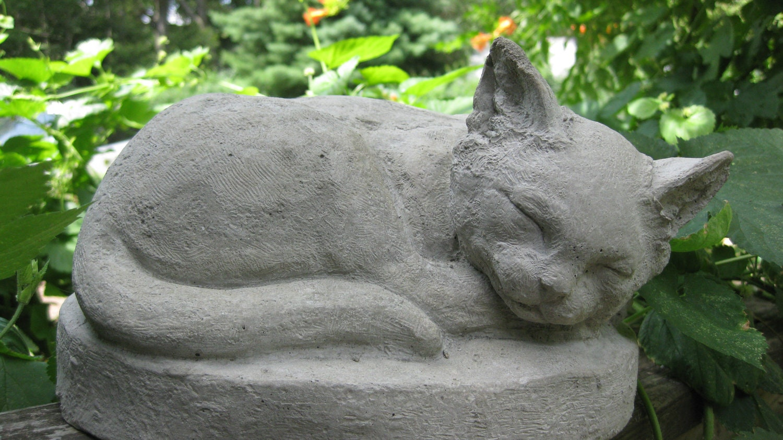 Садовые скульптуры из цемента