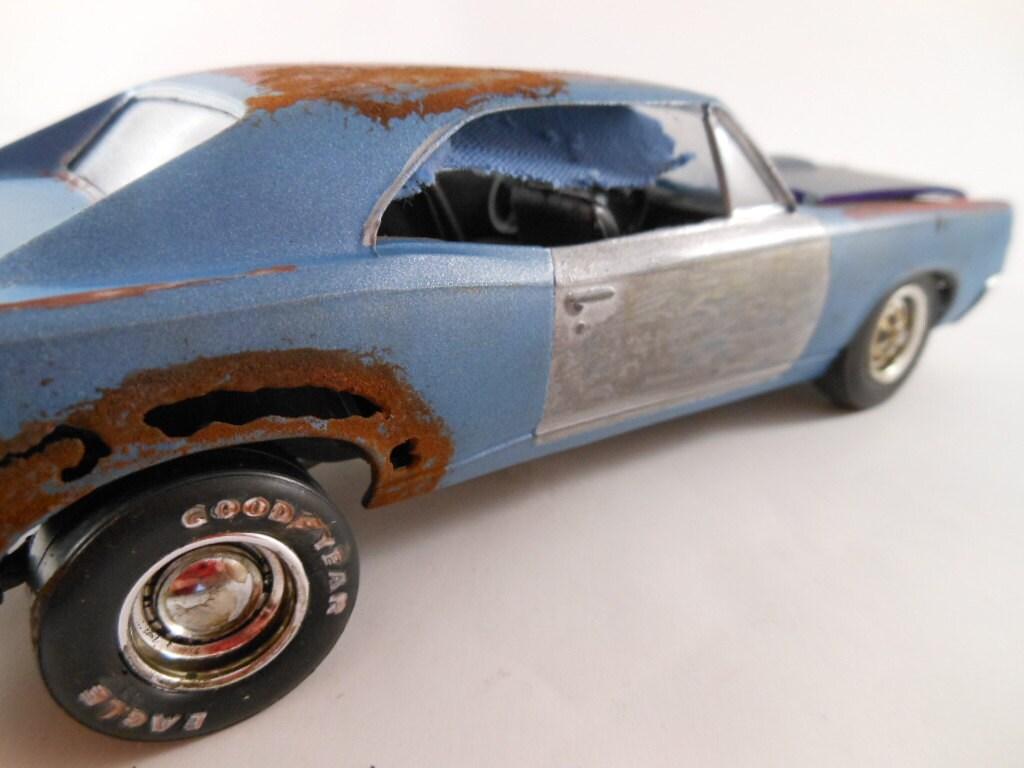 1967 Pontiac GTO in blue in 1/24 scale model car