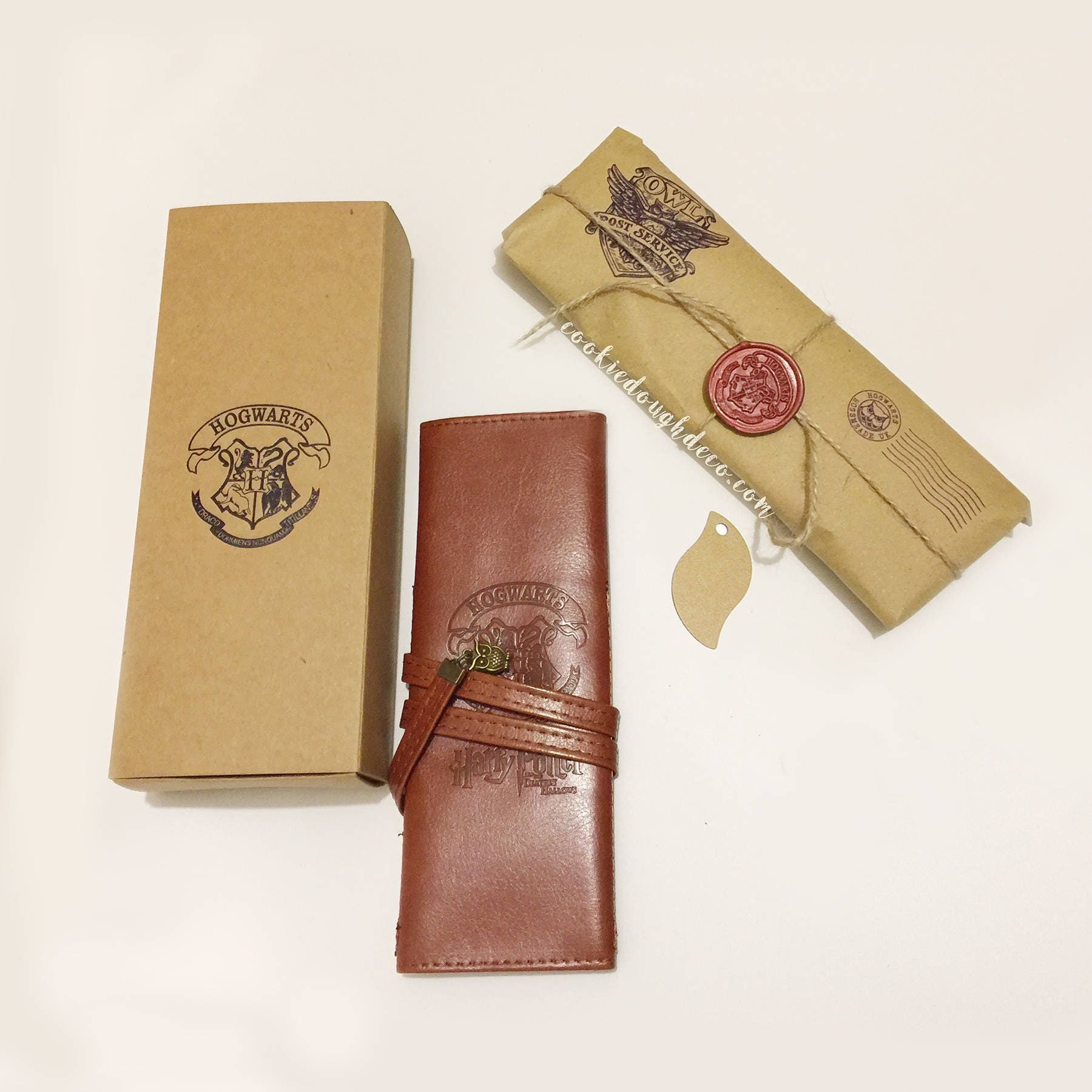FREE PP  Harry Potter inspired Faux Leather makeup brush roll  Gift Box (gift wrap paper option)