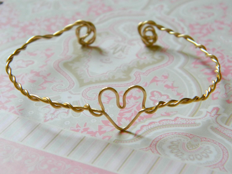 Wire Heart Cuff in gold