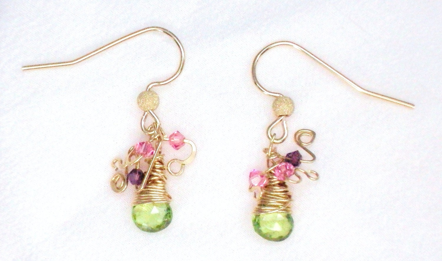 Dangle earrings with apple green peridot  flat briolettes and Swarovski crystals - Sweet Pea - VenetianMemories
