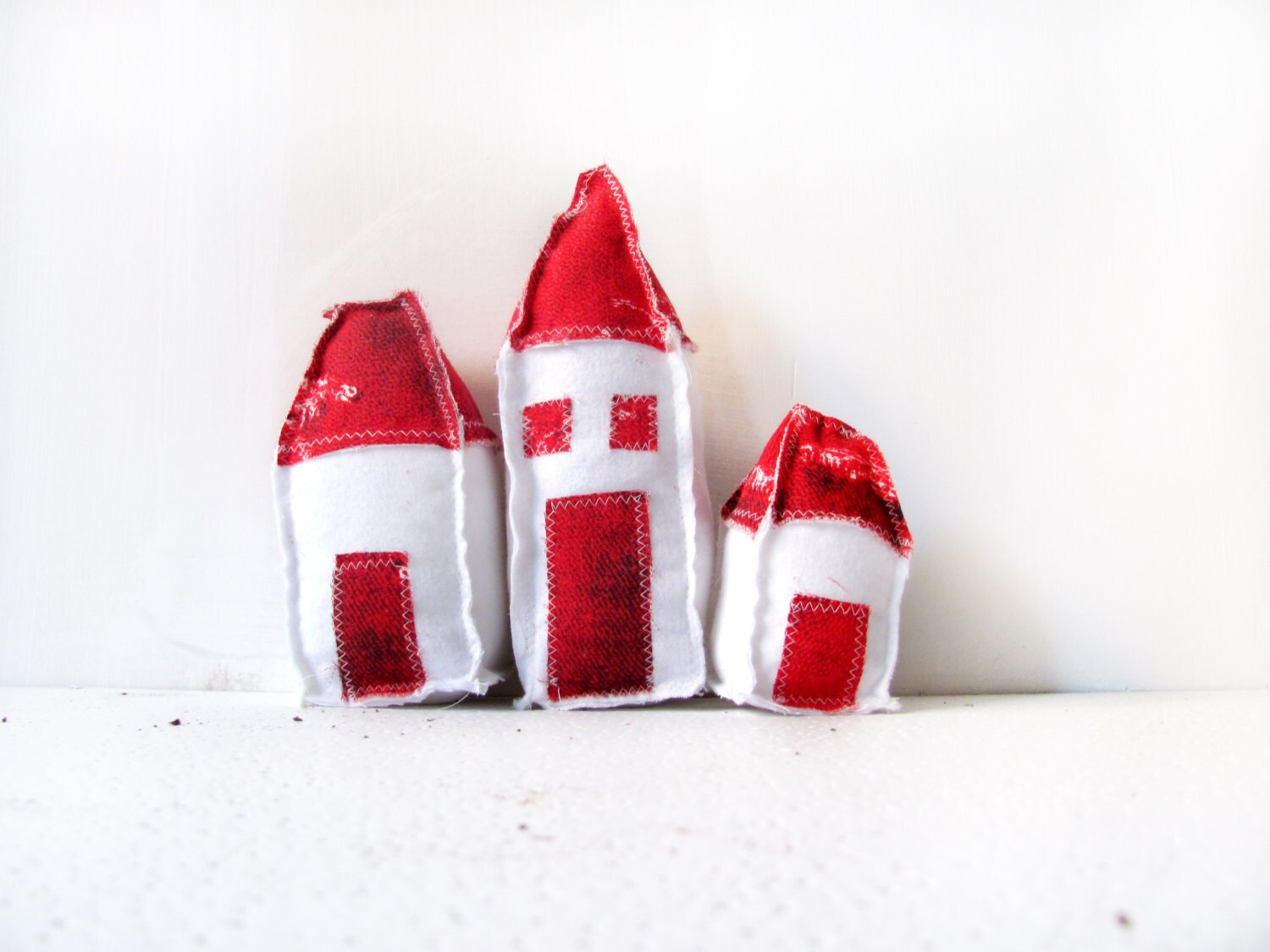 home decor,handmade houses,red and white, valentines day, decoration,small gift, needle felted, handmade houses,valentines day gift, wedding