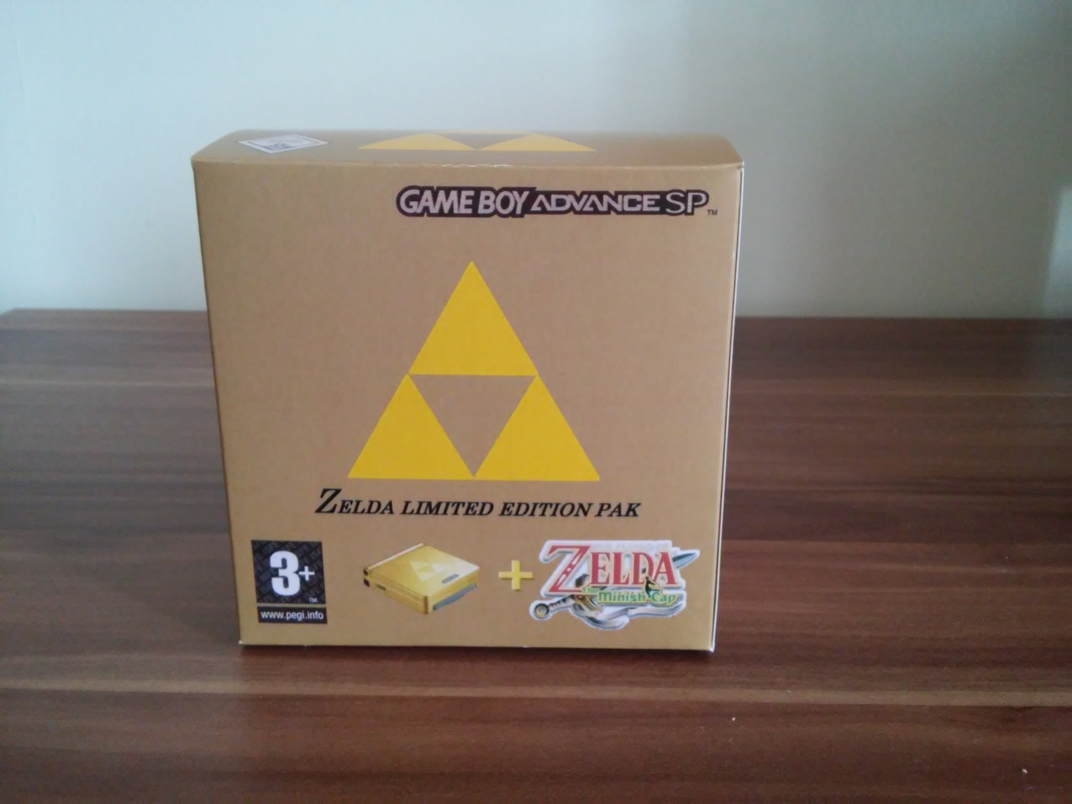 Gameboy Advance SP Classic Zelda Minish Cap Edition Repo Box Only