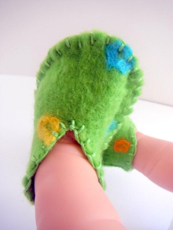 Felt Baby Booties Green Spotted Handmade Felt