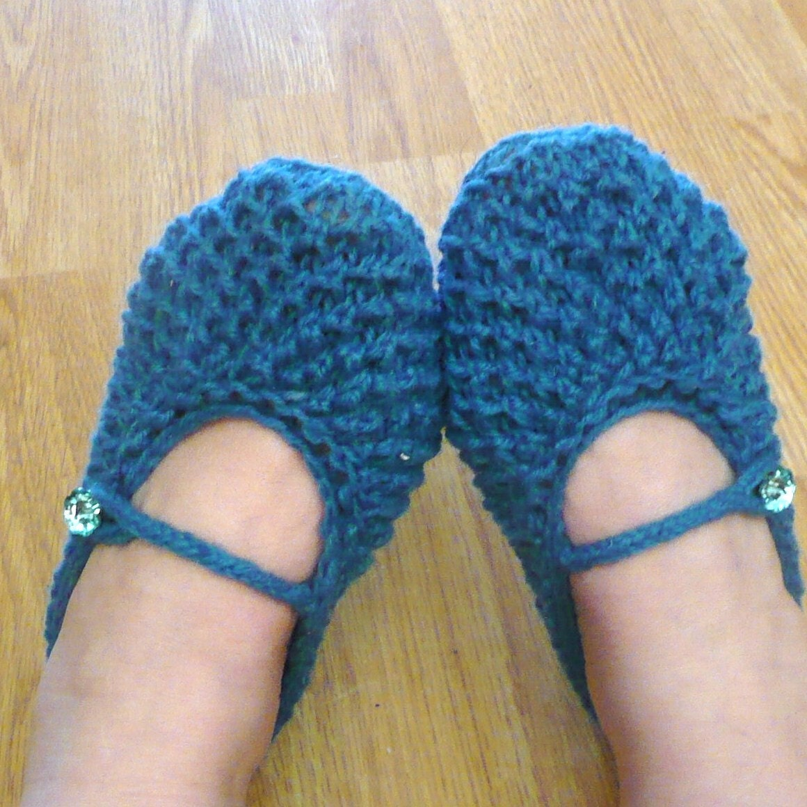 Knitting Pattern For Womens Slippers : Items similar to SLIPPERS Knitting PATTERN Instant Download - Bonne Maman Mar...