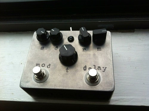 Echo Base modulated delay guitar pedal - GreyscaleDevices