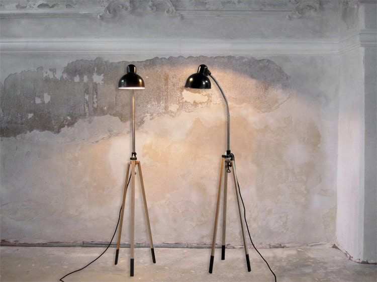 StaTIV 70 // TripoD lamp stand made from oak WITHOUT vintage clip lamp - rennadeluxe
