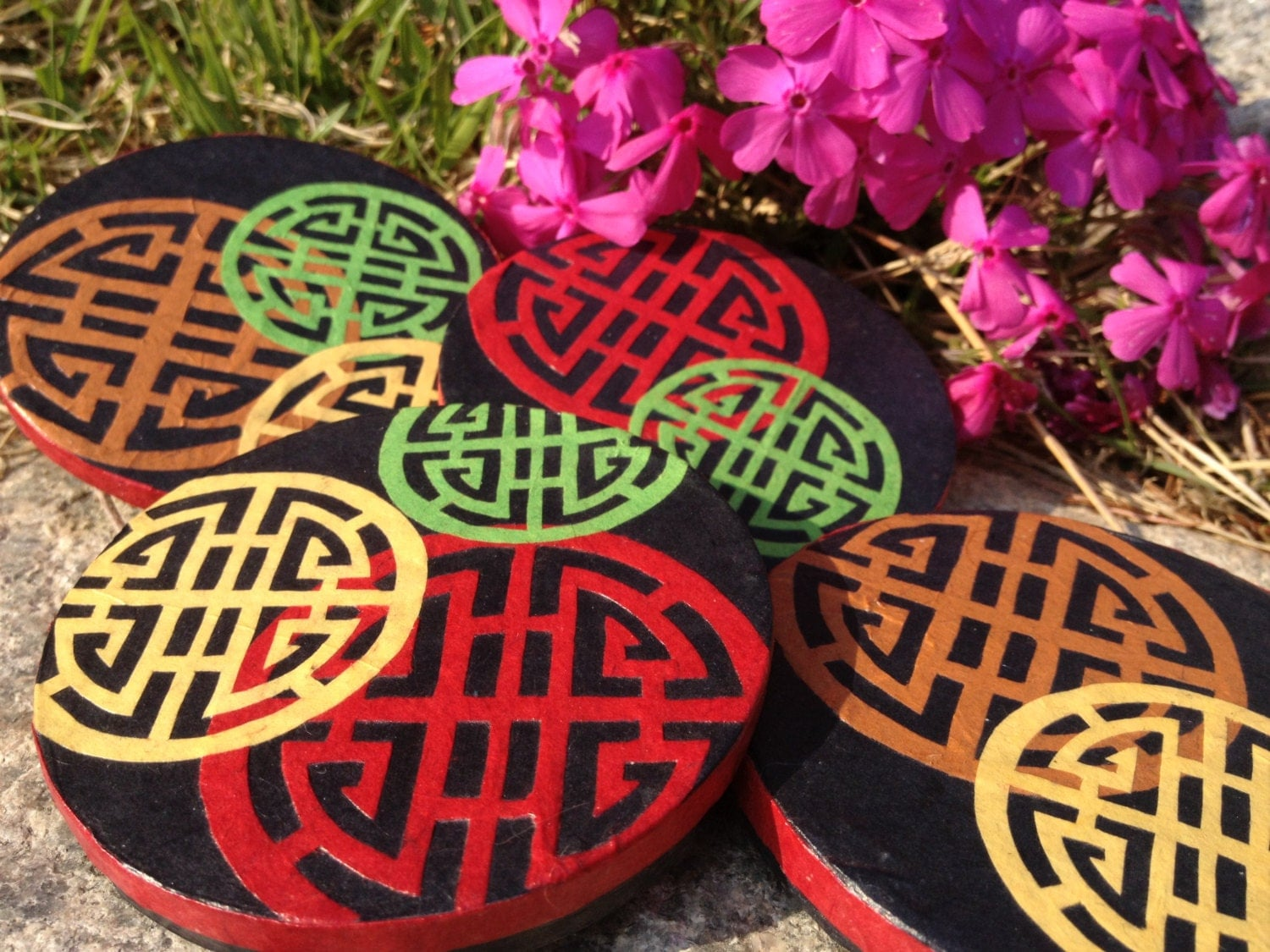 Round Hanji Paper Magnets, Traditional Asian Pattern, Handmade (set of 4) - HanjiNaty