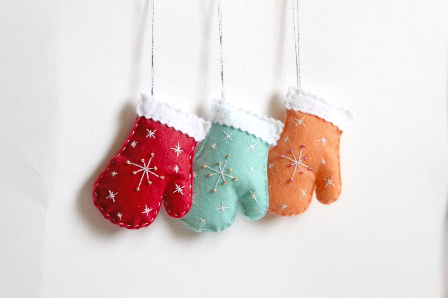 Felt mittens ornament - christmas home decor - set of 3 - ready to ship - MiracleInspiration