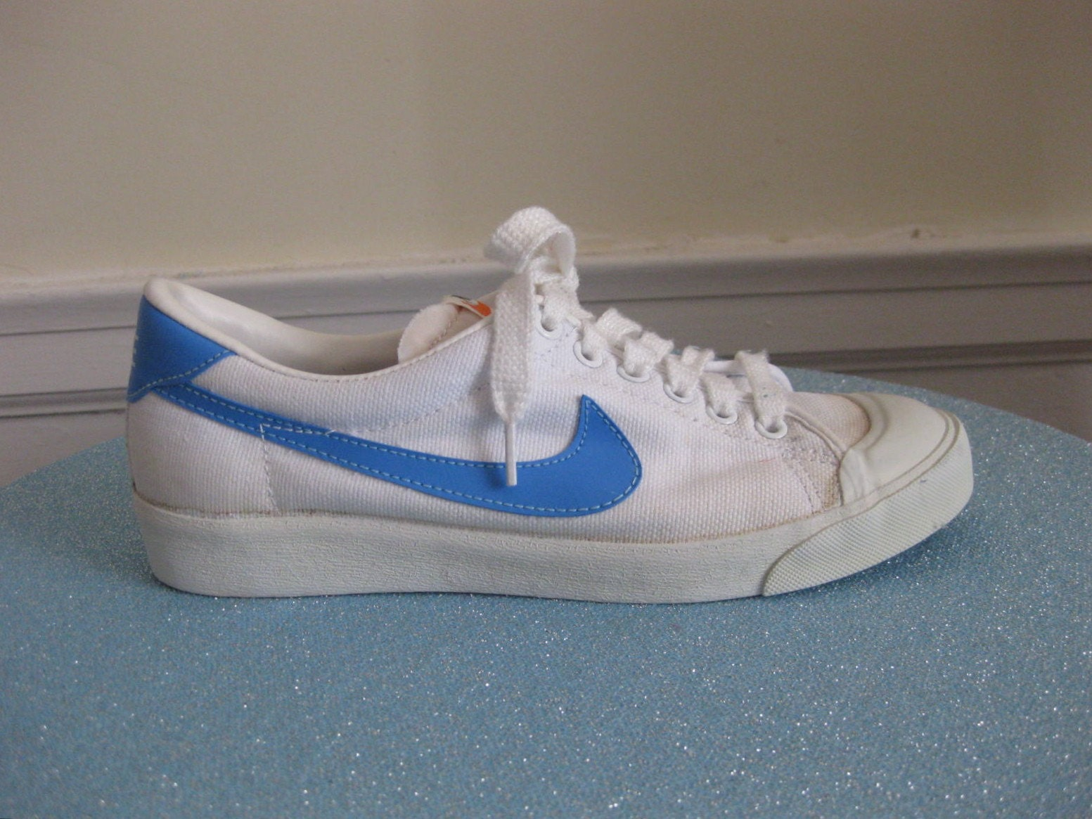 Super Glue Tennis Shoes