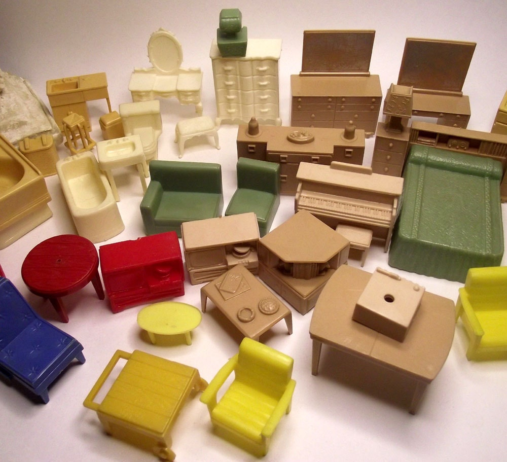 Vintage Three Quarter Inch Scale Plastic Dollhouse Furniture Collection
