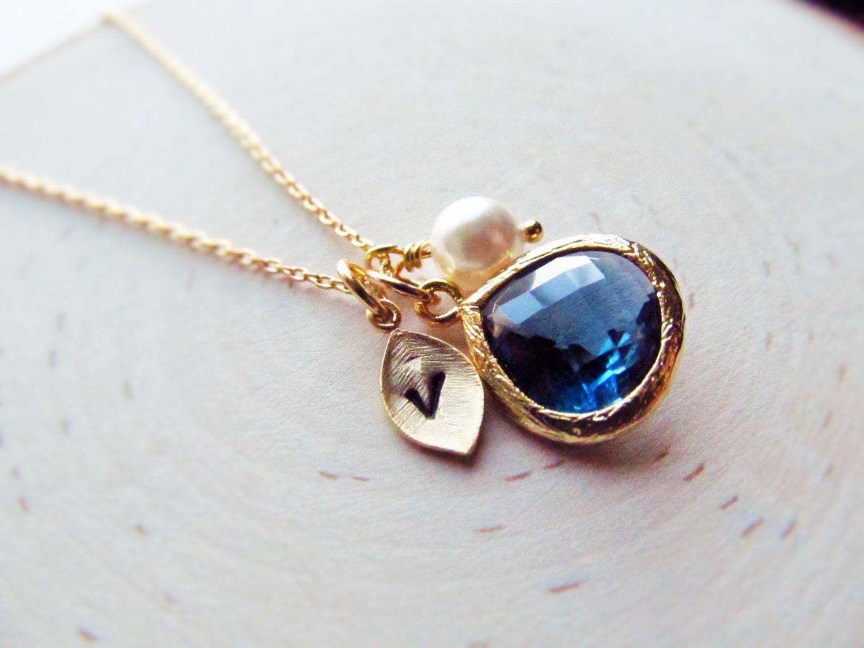 Simple sapphire necklace