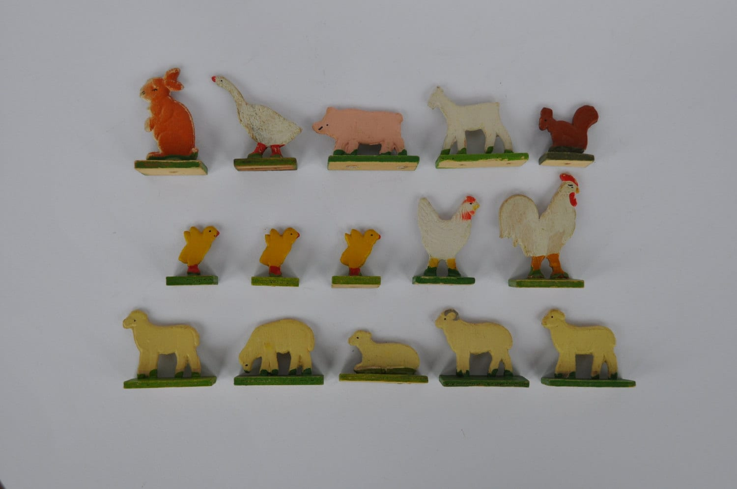Wooden Farm Animals.  Vintage German. Erzgebirge.  Hand Painted. Set of 15.