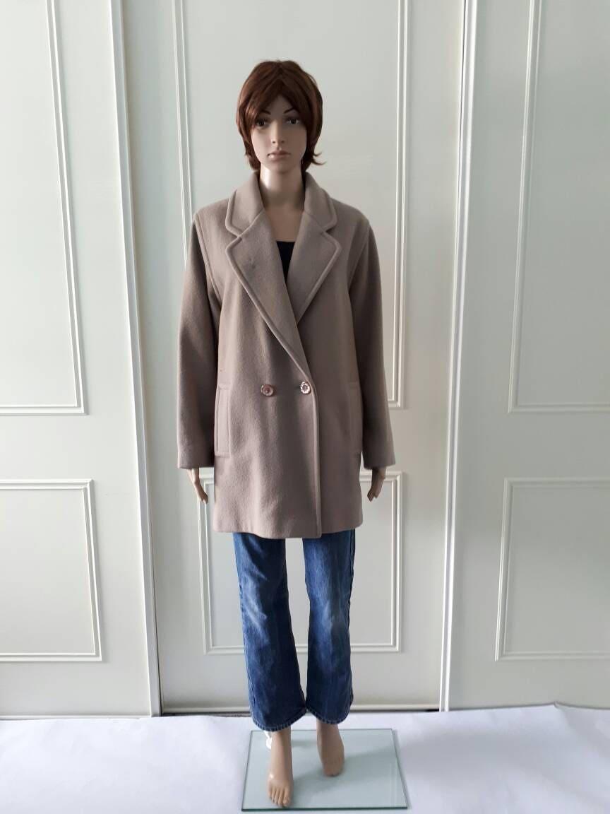 English Lady 1970s vintage coat wool coat beige ladies coat warm coat winter coat double breasted size 14
