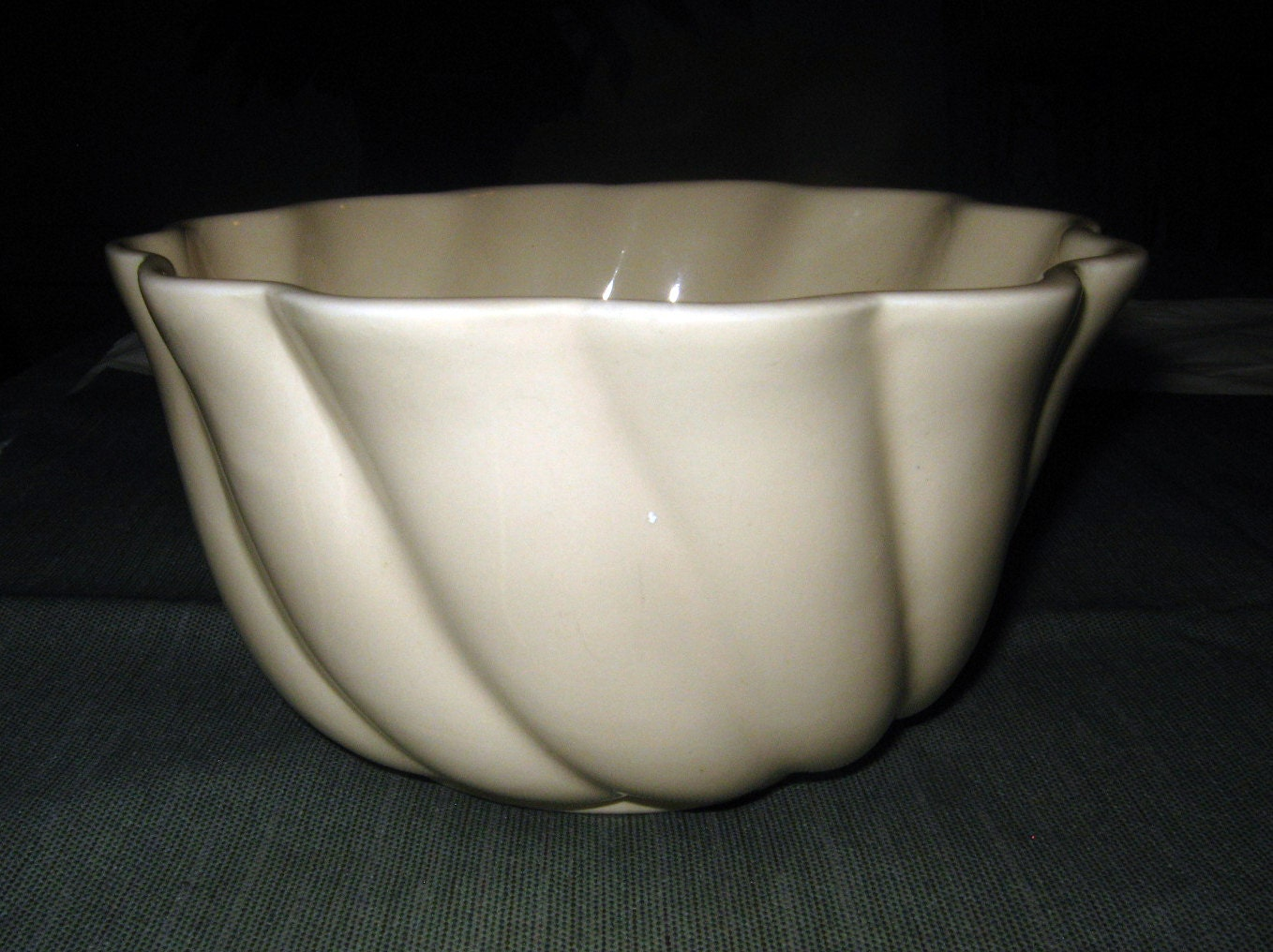 Vintage california pottery white swirl jardiniere pot by for Affordable pools pearl river la