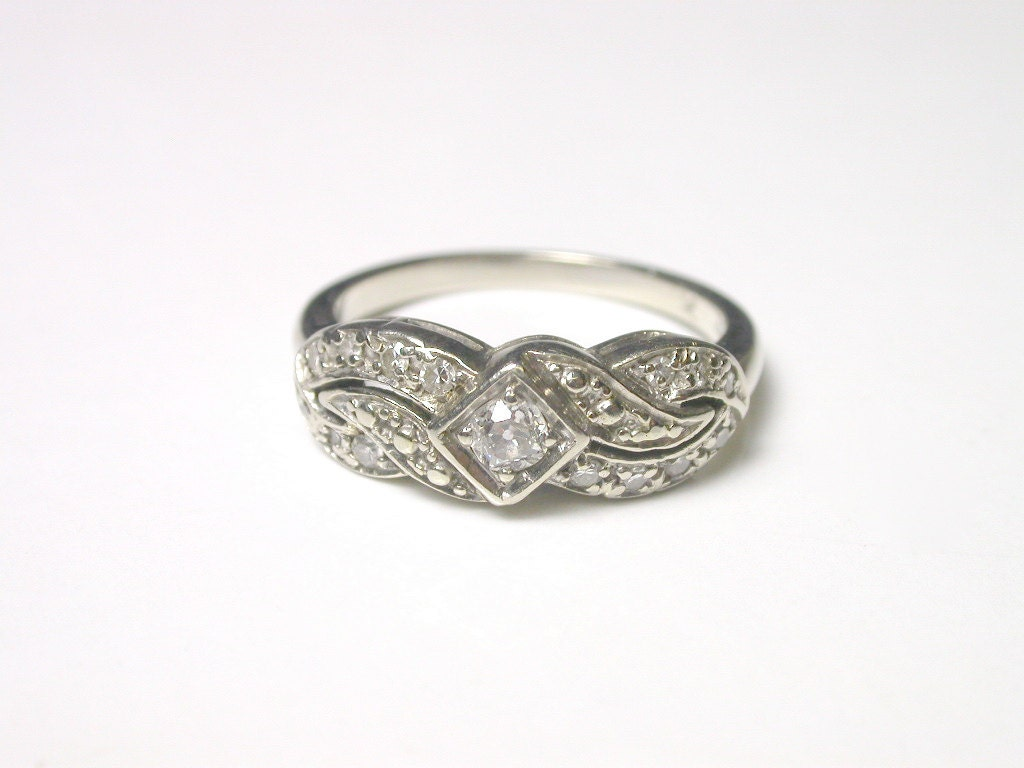 Diamond and 14k White Gold 1940's Ring Size 6 - WatchandWares