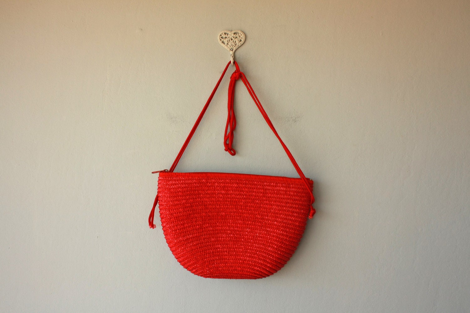 straw purse / red straw bag / 1980s woven purse / summer bag / woven bag - CustardHeartVintage