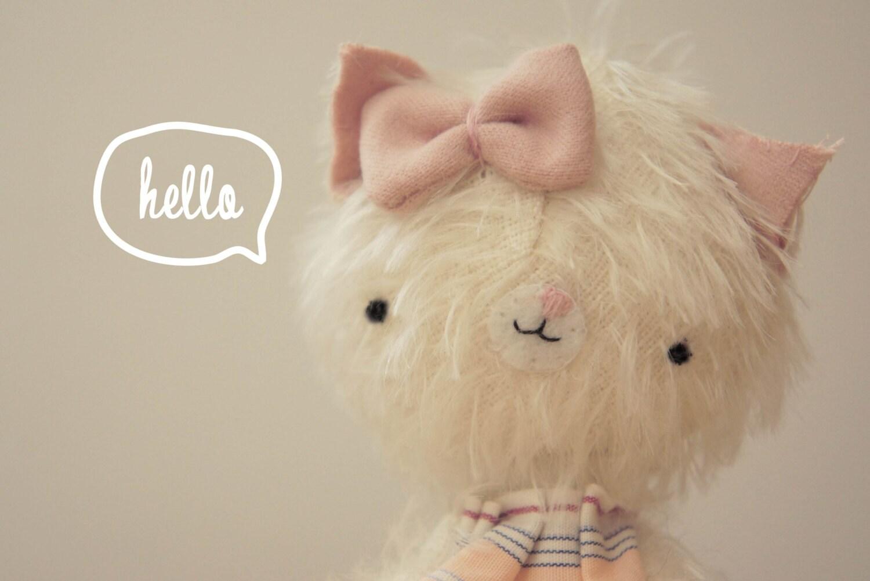 Olivia pequeña gatita de peluche - hecha por encargo