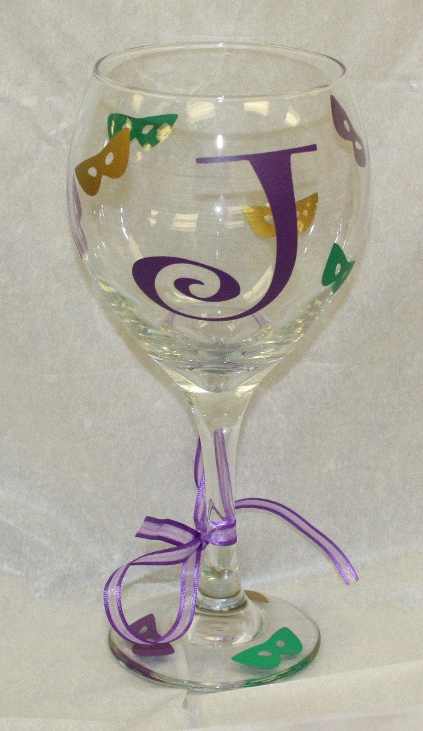 Mardi gras wine glass with initial 20 oz by tincyscorner for Painted wine glasses with initials