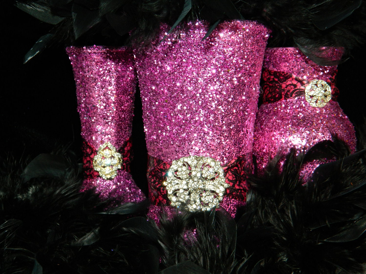 Black And Pink Wedding Table Decorations Photograph | weddin