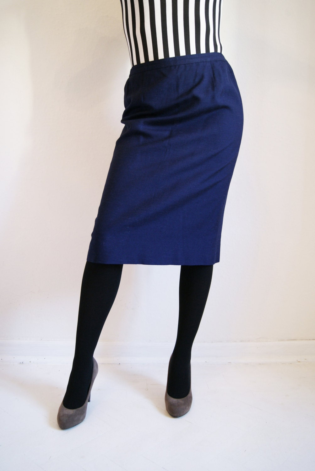 70s navy blue pencil skirt by helloothilia on etsy