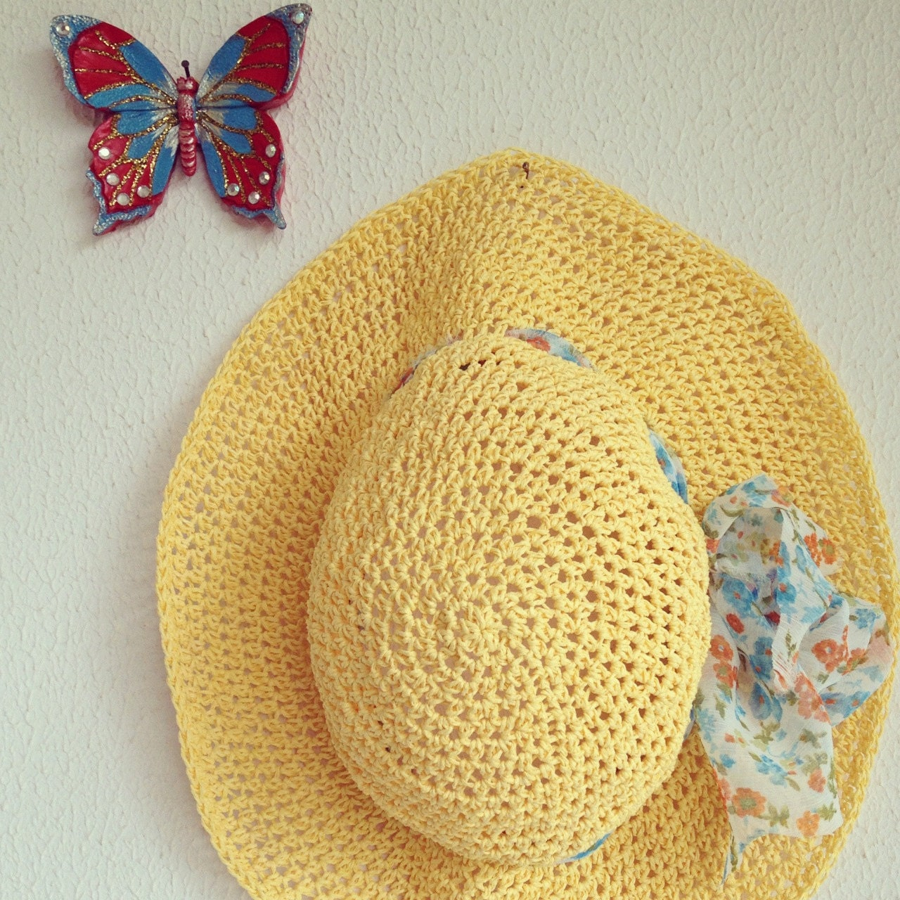 Crocheted natural raffia Tangerine Yellow Solar Power Summer Sun Hat With Organza Flower Fabric - cookieletta