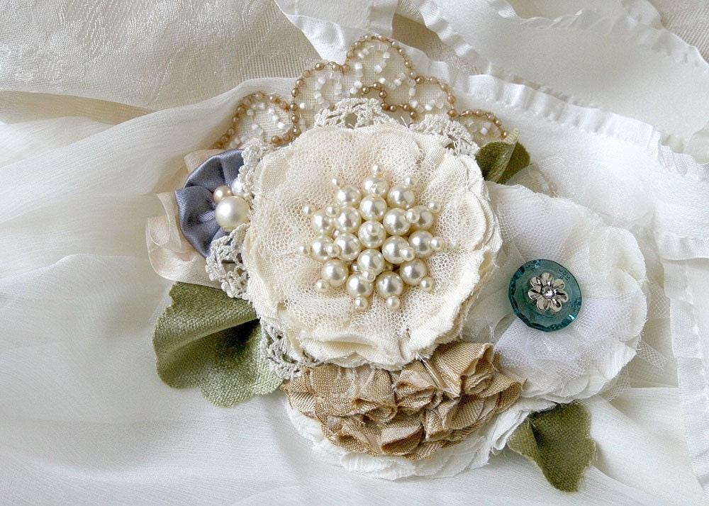 Bridal Wedding Gown Flower Sash Belt Pin Corsage in Ivory White Pearl