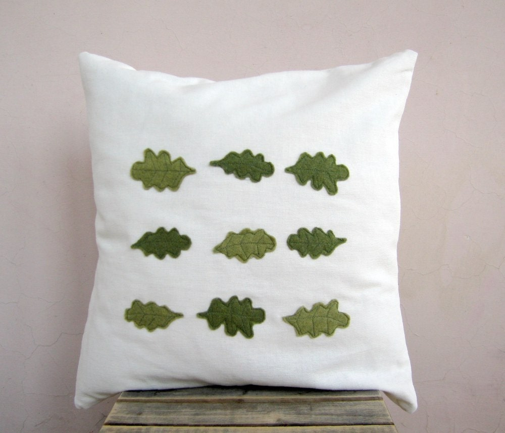 Rustic decorative pillow: oakleaf appliques in moss green eco felt on white cotton 16x16 pillow cushion cover