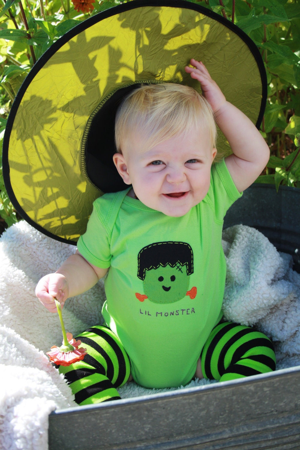 "Halloween Baby onesie, ""Lil Monster"" FRANKENSTEIN bodysuit, perfect for 1st Halloween photo prop - twinzzshop"
