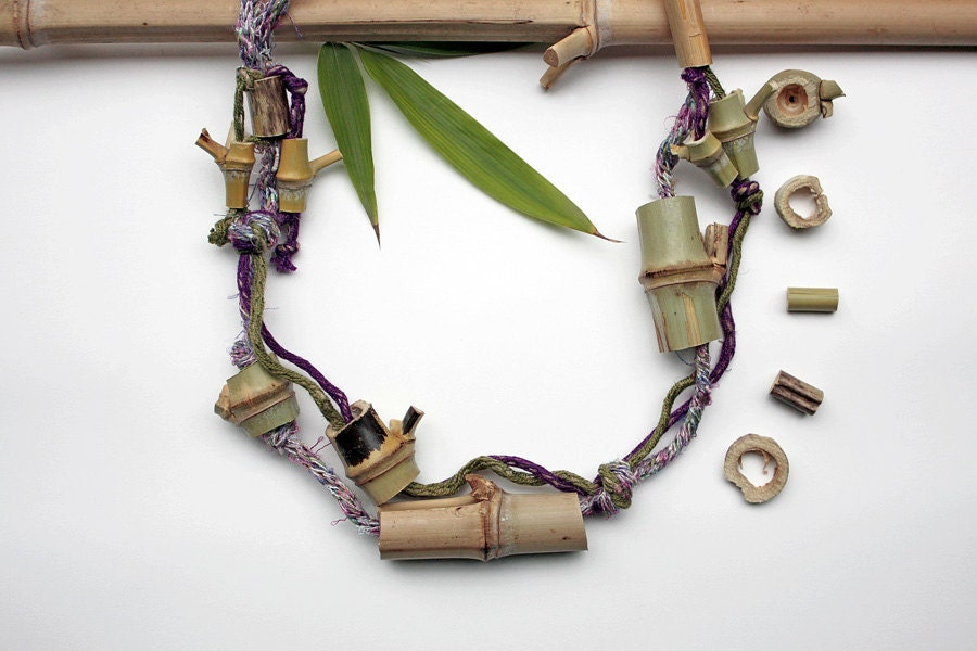 Knitted eco friendly statement necklace with bamboo beads, purple olive green, OOAK - rRradionica