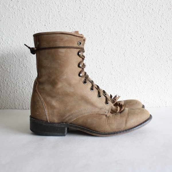 sz 9 vintage brown leather combat boots by laredo by