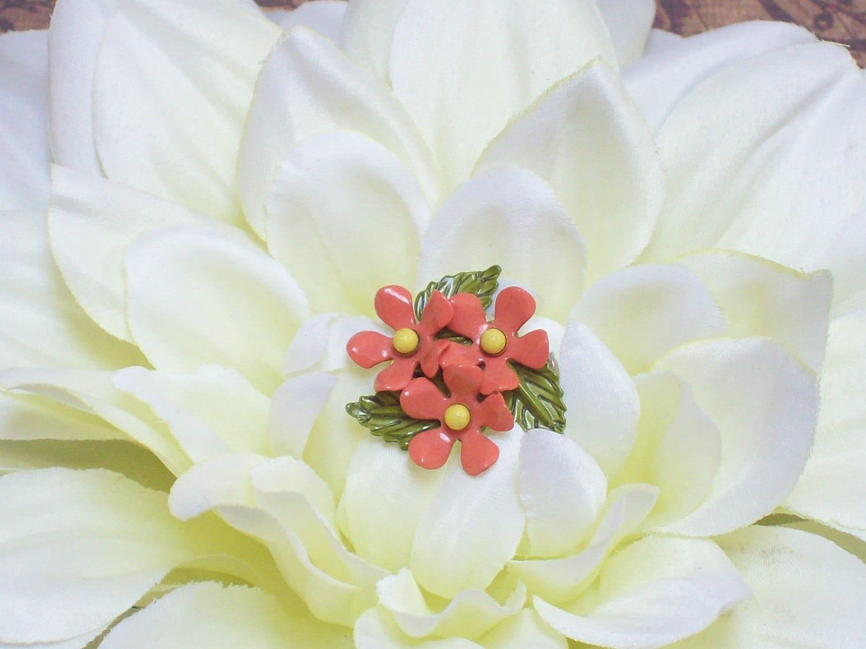 Vintage Small Orange Enamel Flowers Pin Brooch - Graciesjewelrybox