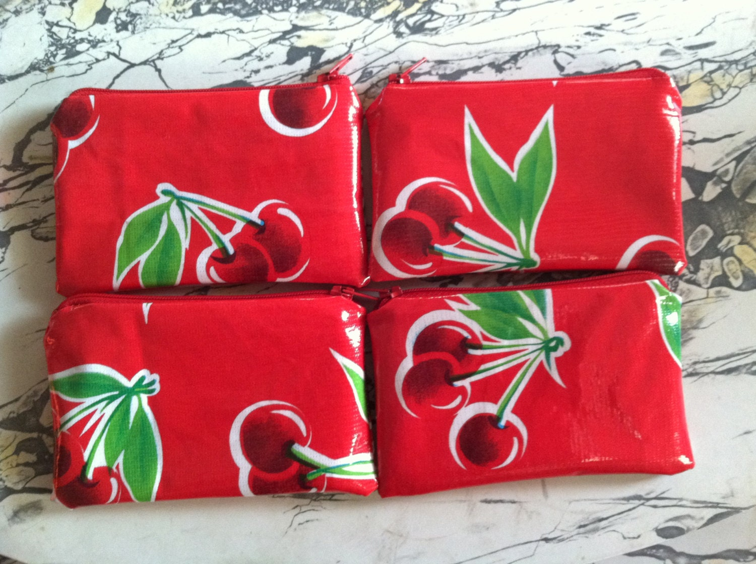 Red Cherry Retro Oilcloth Coin Purse Zipper Pouch by MiriamGarber on Etsy