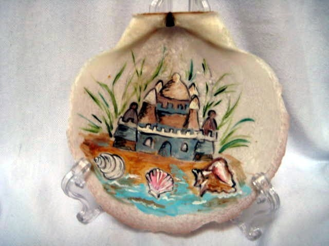 Sandcastle painting on a seashell - judithscreations