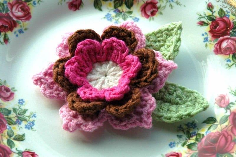 Crochet Flor em rosa e Brown