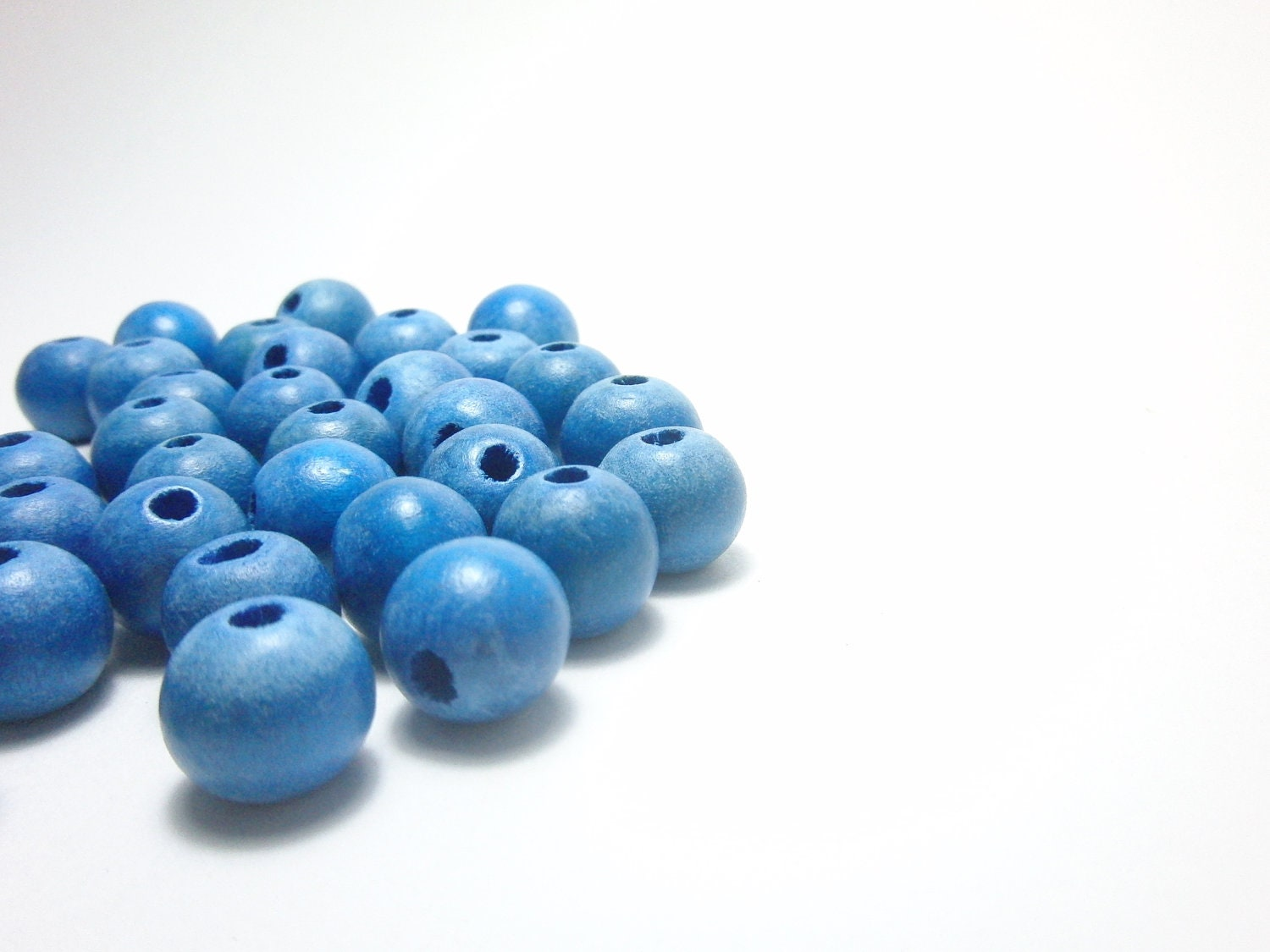 Blue Wood Beads 12mm - prendasbyenid