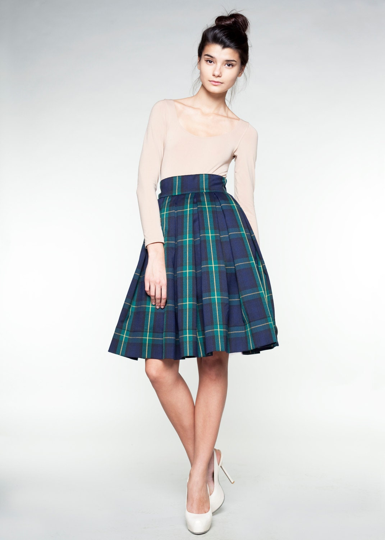 navy blue tartan woolen skirt by mrs pomeranz by mrspomeranz