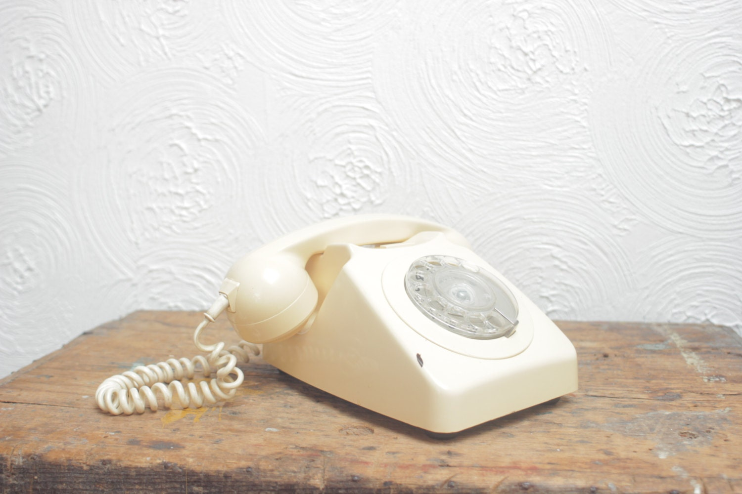 Vintage 1970s Cream Telephone, Rotary Dial, 746 - TinCupVintage