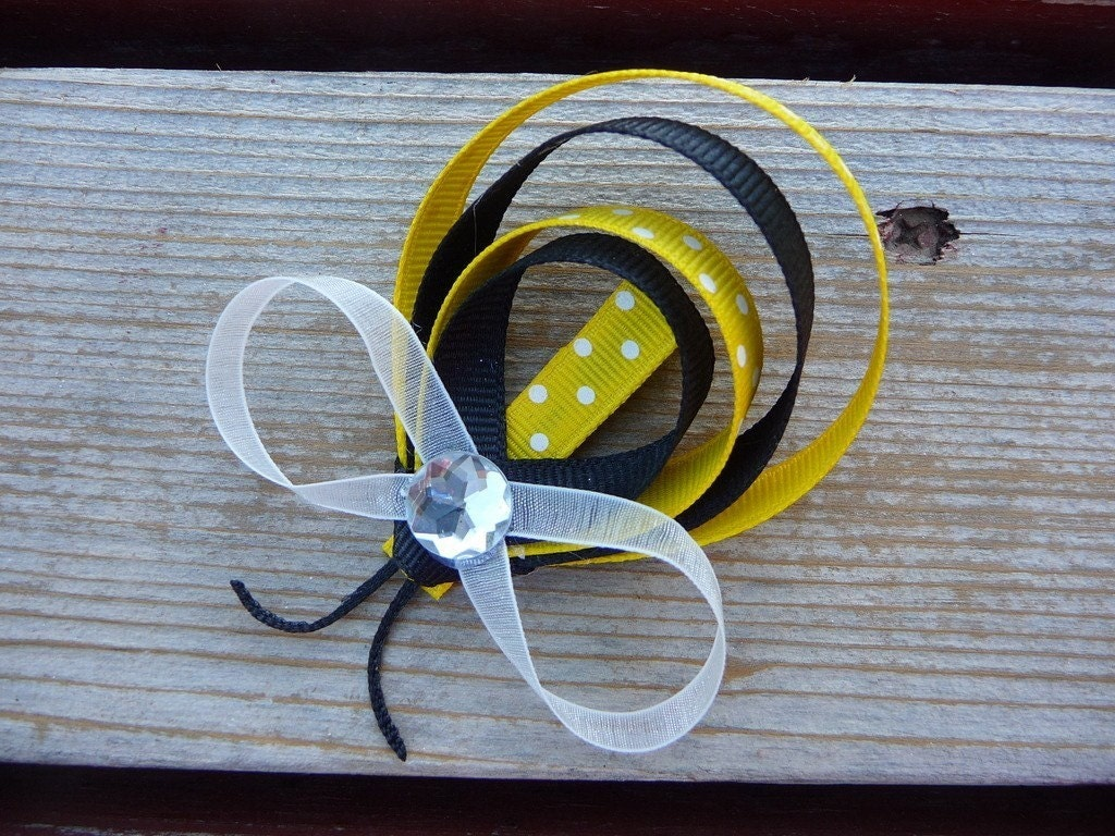 Little Missy Hair Bumble Bee - ThELaUgHyGiRaFfY