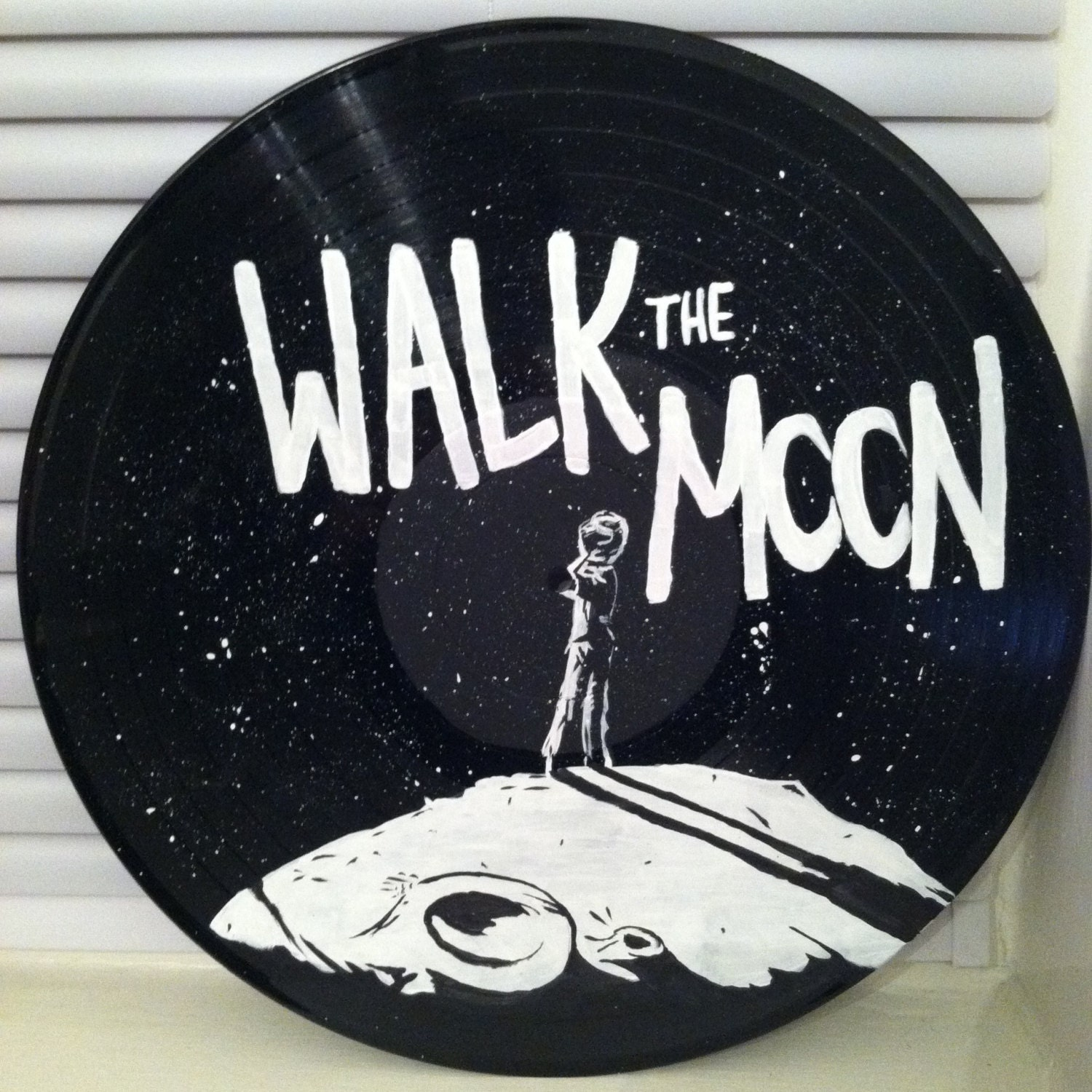 Клипы walk the moon