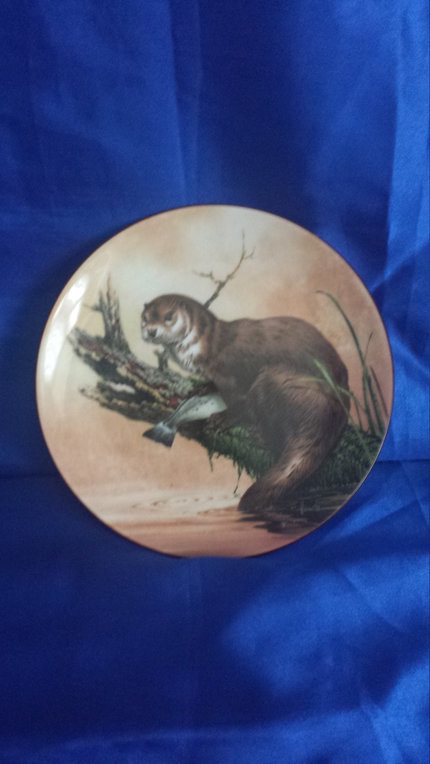 Wedgwood Bone China Collecters Plate  Otter at Dusk